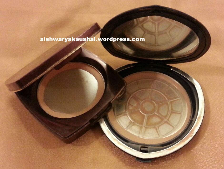 Lakme Radiance Compact Natural Shell Review